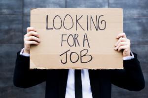 Nemáte prácu, žiaden príjem a potrebujete peniaze? Rýchle pôžičky sú aj pre nezamestnaných.